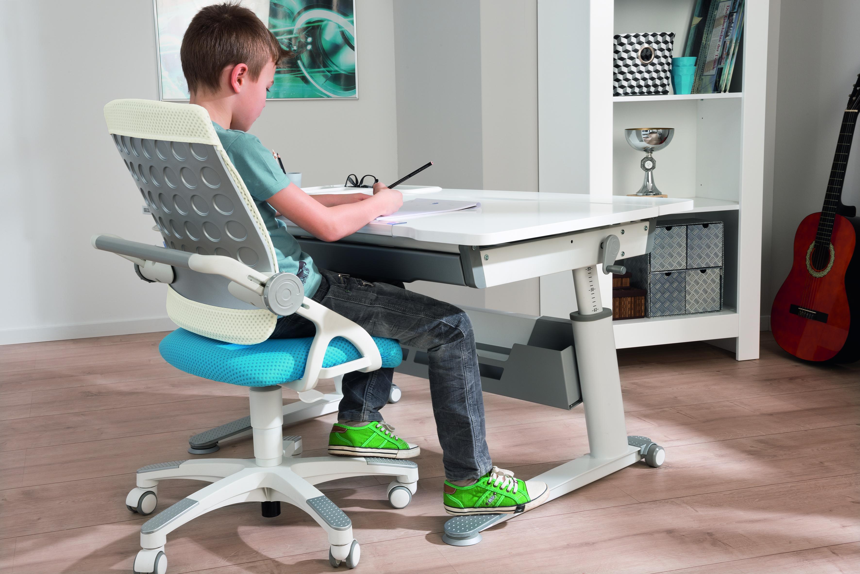 Scrivania Per Ragazzi Roma : Scrivania ergonomica per bambini e ragazzi jaro spaziojunior store